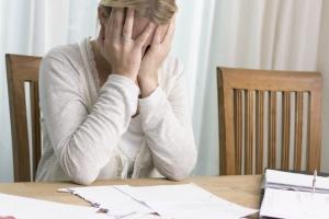 Am Verzweifeln? Ein Anwalt kann bei Abmahnung und Unterlassungserklärung helfen.