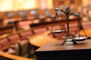 Im Urheberrecht wird das Werk rechtlich geschützt.
