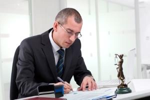 Einschätzung durch einen Anwalt: Eine vorbeugende Unterlassungserklärung kann bei Filesharing eine Option sein.